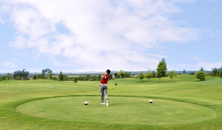 Hasil gambar untuk lapangan golf