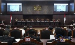 MK Tolak Gugatan Sengketa Pilpres Tim Hukum Prabowo-Sandi