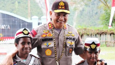 Foto: Irjen Pol Martuani Sormin saat jabat Kapolda Papua