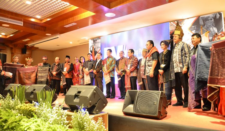 Antusias Masyarakat Batak Terhadap Ulos dalam Acara ULOS FEST 2019