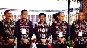 Juliari P. Batubara, Ketum Panit Natal Nasional 2019 (kedua kiri) bersama para Menteri Kabinet Indonesia Maju