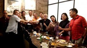 Foto: Bersama Ketua Tim Dewan Marturia HKBP, Sahala Lumban Gaol, usai rapat