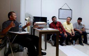 Ketum DPP FBBI bincang bersama jajarannya di kantor baru