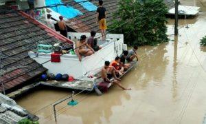 Masyaerakat Korban Banjir di Bekasi