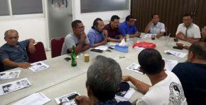 Foto: Ketua Panitia, Sangapan Siagian, SE (kanan) saat memimpin Rapat Panitia
