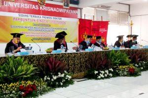 Foto: Tim Penguji Promovendus Parbuntian Sinaga, di Sidang Terbuka Promosi Doktor Ilmu Hukum